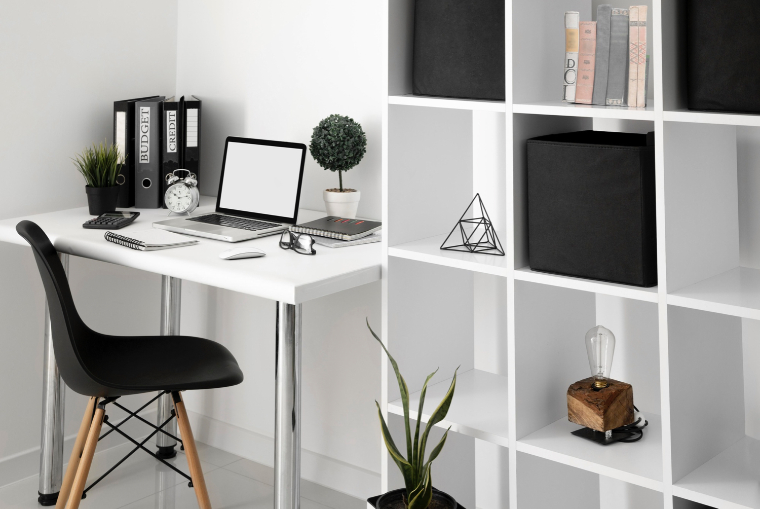 Omni's Guide to an Efficient Home Office Setup